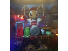 Skaparglädjes maskot Baui, bild trummor
