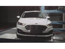 Ford Mondeo pole crash test Dec 2019