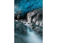 Sony_Guides_Ice_Caves-5