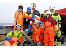 Team på snøkrabbetokt på dekket av RV Lance
