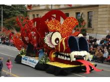 Festumzug beim Winzerfest Neuchâtel Blumenwagen