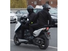 Putney Bridge moped - 22 March 2018