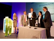 newdomains 2013 - Vertragsunterzeichnung mit .berlin und .wien