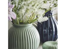 VANLIGEN vase 18 cm grøn 69.-, VANLIGEN vase:kande 26 cm blå 129.-, VANLIGEN dekorationsæsker, 2 stk. mørkegrøn 59.-