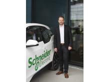 Kjetil Hulbach, ansvarlig for elbil-ladeløsninger i Schneider Electric