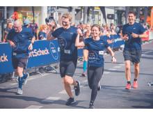Gemeinsam durchs Ziel - auch beim SportScheck RUN in Frankfurt?