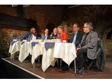 Podium beim 203. Tourismusfrühstück (v.l.): Claudius Nießen, Rev. Dr. Robert Moore, Dr. Helge-Heinz Heinker (Moderator), Dr. Gabriele Goldfuß, Volker Bremer und Michael Weichert