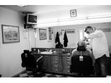 Barberen i Supetar har kun barbering med ragekniv på programmet. Pris: 30 kr.