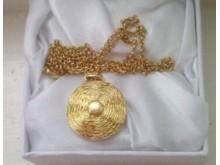 20190507-stolen-golddisc-necklace-crawleydown-best-res