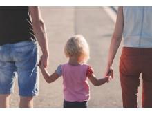 Kuratorer på Akademiska sjukhuset ska utbildas i en metod om hur man stöttar föräldrar att prata med barn om sin fysiska sjukdom.