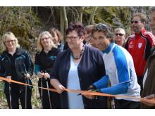 Bürgermeisterin Karin Barwisch und Silber-Olympiamedaillengewinner und Sportexperte Peter Schlickenrieder gaben die Strecken offiziell frei.