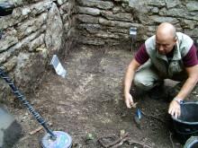 Utgrävning av en av Sveriges äldsta kyrkoruiner