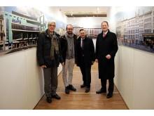 "Dr. Volker Rodekamp, Jörg Dietrich, Thomas Oehme und Dr. Harald Langenfeld eröffneten die Ausstellung ""Die Straßen Lyons | Les rues de Leipzig"" im Hauptbahnhof"