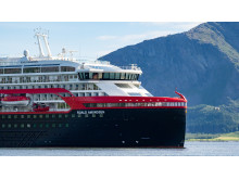 MS Roald Amundsen - Photo credit Hurtigruten _  Espen Mills - 07