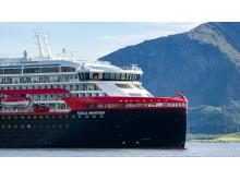 MS Roald Amundsen - Photo credit Hurtigruten _  Espen Mills - 07