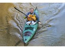 Jo mer Per Roger Lauritzen padler, desto mer fornøyd blir han. Her på tur ned Glomma ved Røros.