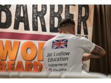Jac Ludlow, barberare från Wales, är tydlig med sina sociala mediekanaler