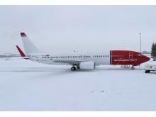 LN-NIK en la pista del aeropuerto de Oslo, 21 de febrero de  2018