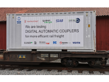 Automatkoppel Container eng text pressrum.png