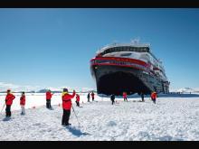 Landing-MS-Roald-Amundsen-HGR-142021_1920- Foto_Andrea_Klaussner.jpg