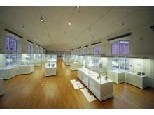 """Blick in die Ausstellung """"DELFT PORCELAIN. Europäische Fayencen"""""""