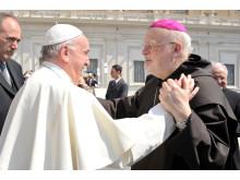 Påve Franciskus med biskop Anders Arborelius
