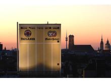 Paulaner Brauerei in der Abenddämmerung