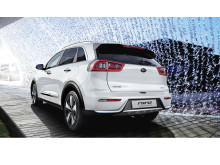 kia_niro_phev_my18_striking_rear_design_11505_64235