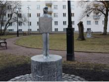 Skulptur av Sara Nilsson i Lorensbergsparken