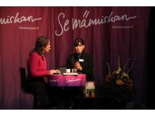 Cecilia Samartin och präst Ylva Leitzinger