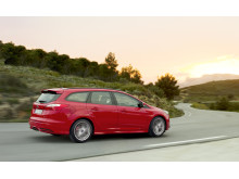 FORD FOCUS ST MED 250 HK SOM STATIONCAR_2