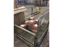 Adlibriksen kirjapaketteja on jo matkalla asiakkaille.