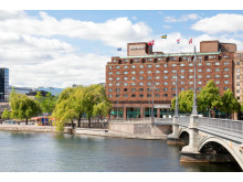 Sheraton Stockholm Hotel has decreased its carbon emissions by 540 tons through in-house production of glass bottled water – eliminating all plastic