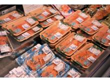 Norsk laks i butikk i Japan
