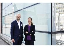 Industrifaktas Magnus Johansson och Handelskammarens Pernilla Johansson.