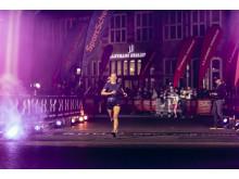 Die schnellsten Finisher haben die Chance auf eine Laufreise zum Amsterdam Marathon.