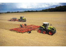 Tractors with crawler tracks – AXION 900 TERRA TRAC and XERION 5000