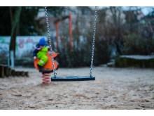 Foto - legeplads med gynge