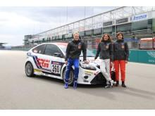Fords VM-stjärna, Jari-Matti Latvala, framför en specialbyggd Focus RS