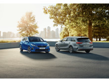 kia_ceed_5dr_+_sw_my19_double_range_shot_-_3_4_front_ceed_5dr_+_7_8_rear_ceed_sw_13467_75766 (1)