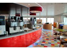 """Das Restaurant an Bord von Scandlines' neuer Hybridfähre """"Berlin"""""""