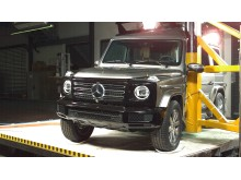 Mercedes- Benz G-Class Pole Crash Test
