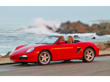 En Porsche er stadig en drøm for rigtig mange drenge og piger i alle aldre - og den skal helst være rød...