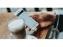 Mobilsurf på kafè