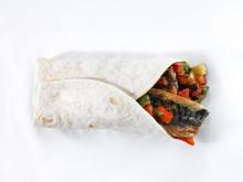Stekt makrell med ratatouille i wrap