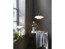 TÄLLBYN loftlampe 40 cm forniklet:opalhvid glas 299.-, TÄLLBYN bordlampe 40 cm glas 249.-