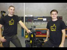 Vasemmalta: Per-Oskar Svedberg, joka vastaa uudesta Australian toimistosta, ja Aurélien Garel, joka työskentelee teknisen tuen ja varaosien kanssa