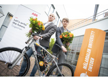 "Stipendiet delades ut idag till Tom Andersson och Niklas Persson för ""Development of a robust cascade controller for a riderless bicycle""."