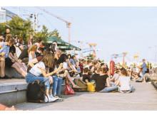 Gespanntes Publikum beim Kieler Bootshafensommer