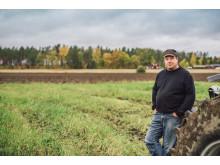 Biogödselkund Jonas Halonen på sin åker